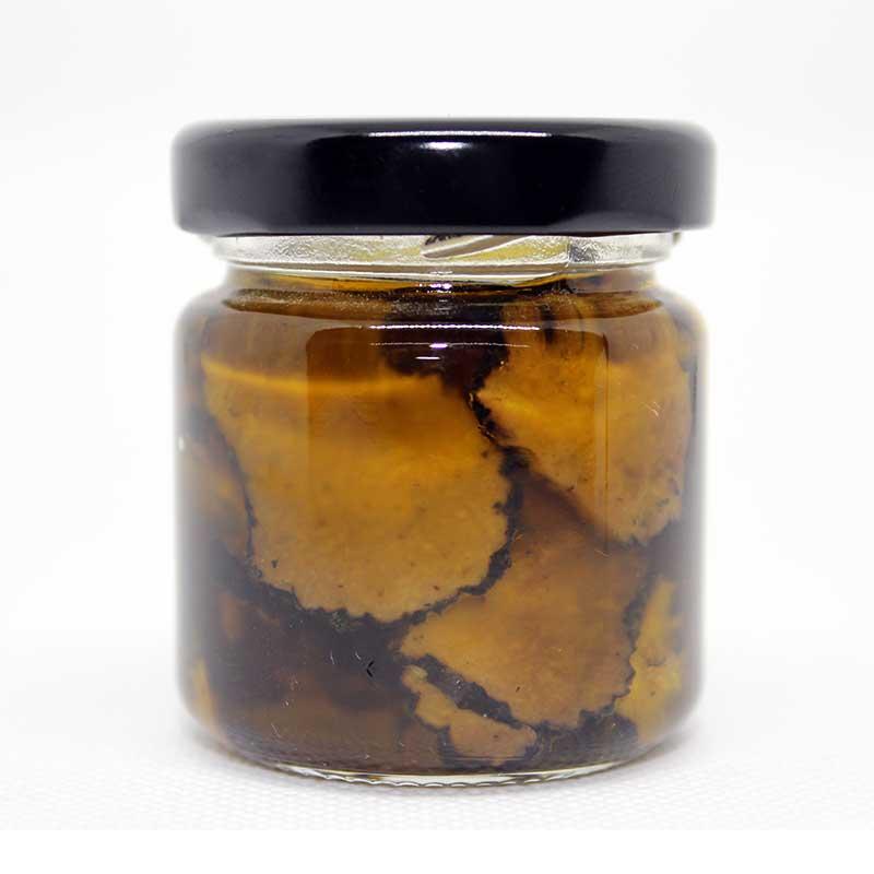 Trüffelscheiben im extra-nativen Olivenöl